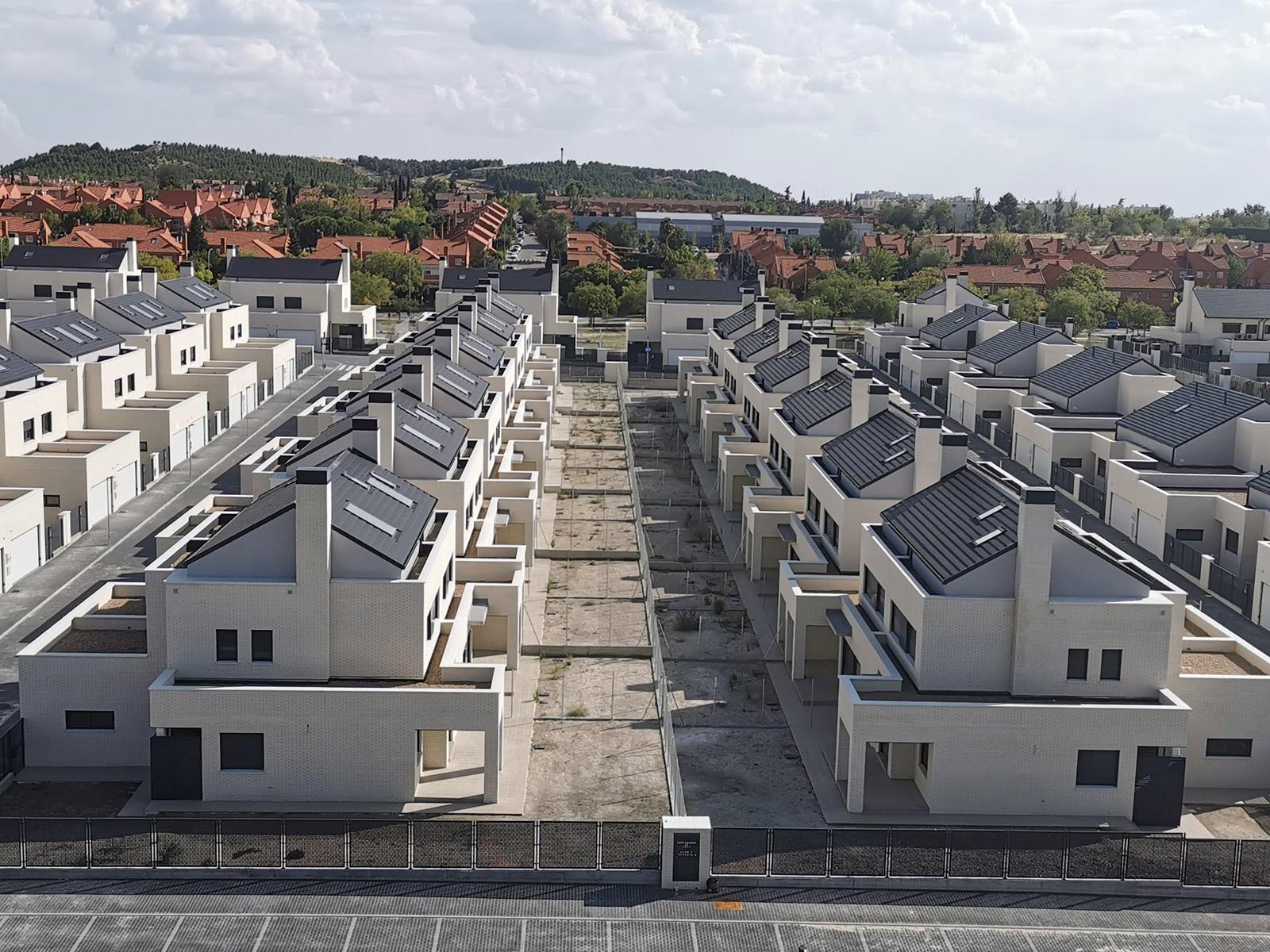 Conjunto de 104 Chalets en Rivas Vaciamadrid, promovidos y construidos por Jarama/Solarco